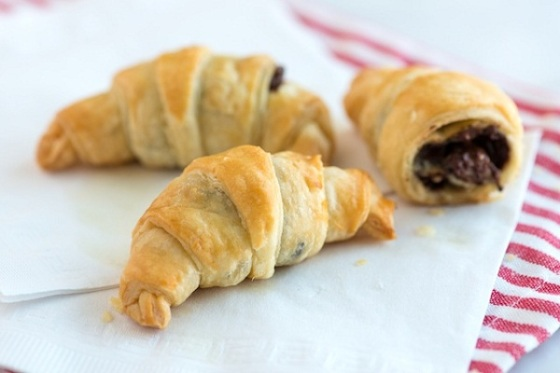 11-Easy Chocolate Croissant_1